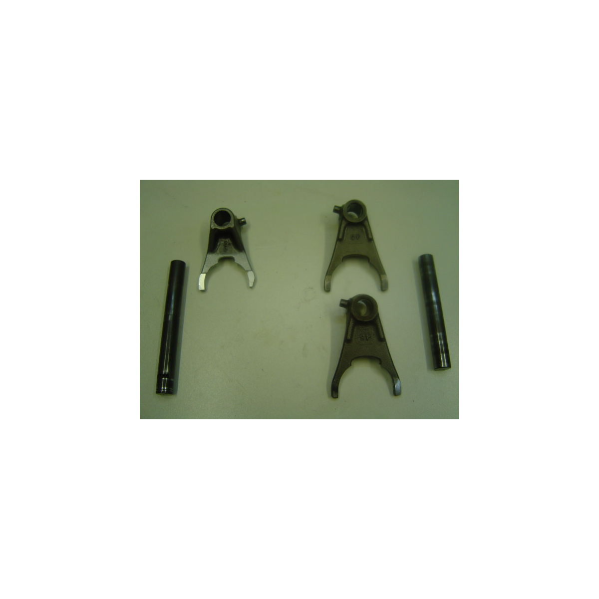 Axe et fourchette de boîte SUZUKI 450 LTR 2008
